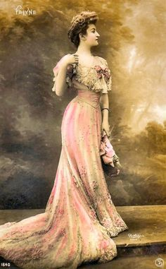 Photo of a lady in an evening dress, 1900's
