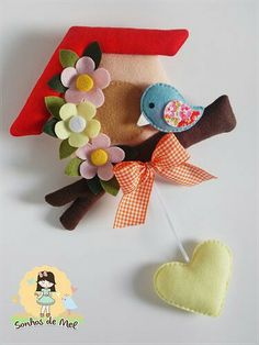 kawaii kitsch brooch blue bird hearts and flowers house design to make *FELT ART (plush) ~ Sonhos de Mel Crafts em feltro e tecido Felt Diy, Felt Crafts, Crafts To Make, Fabric Crafts, Sewing Crafts, Diy Crafts, Craft Projects, Sewing Projects, Felt House