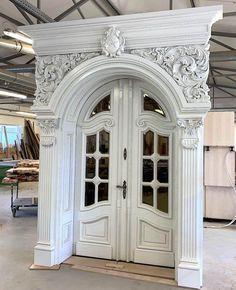 House Arch Design, Door Gate Design, Room Door Design, Door Design Interior, Bungalow Haus Design, Tor Design, Wooden Main Door Design, Classic House Design, Classic Doors