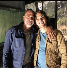 Negan and new character (Brandon). Walking Dead Show, Jeffrey Dean Morgan, Andrew Lincoln, Rick Grimes, Season 7, Norman Reedus, Best Shows Ever, Behind The Scenes, Tv Shows