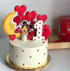 23 New Ideas Cupcakes Fondant Girl Minnie Mouse Bolo Minnie, Mickey Cakes, Mickey Mouse Cake, Minnie Mouse Cake, Fondant Girl, Fondant Cupcakes, Cupcake Cakes, Pastel Mickey, Baby Birthday Cakes
