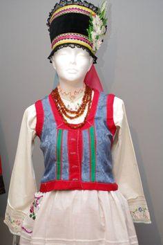 Folk Clothing, Warsaw, Traditional Outfits, Poland, Harajuku, Snow White, Costumes, Embroidery, Disney Princess