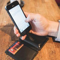 Seyvr ist ein edles Portemonnaie aus Leder mit integrierter Ladestation für Smartphones mit Micro USB Anschluss. Es hat zudem 6 Fächer für Kreditkarten. -