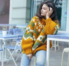 "445 Likes, 9 Comments - Wool & Mania (@woolandmania) on Instagram: ""Шедевральная работа @woolly_warm  Свитер из крупной перуанской шерсти  #WoolandMania…"""