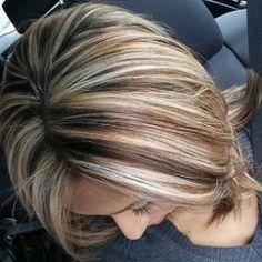 Brunette hair with blonde highlights. I Love Blonde highlights on Brown hair! Short Brown Hair, Short Hair Cuts, Short Hair Styles, Hair Color And Cut, Color For Short Hair, Great Hair, Awesome Hair, Gorgeous Hair, Hair Hacks
