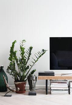Ikea 'Sinnerlig' bench as TV stand
