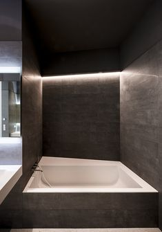 fitted tub