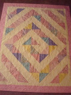 Baby girl quilt. i like this design. different fabric. for @Whitney Shepard