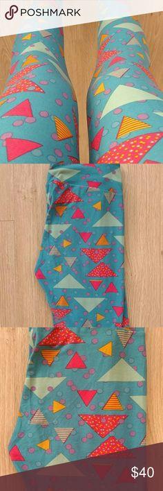 🆕 Lularoe Leggings OS Lularoe leggings OS. Made in Vietnam. Never worn/only taken out of bag for clearer pictures. LuLaRoe Other