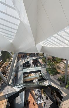 One of SMA's main urban planning projects is Toreo Parque Central, a great example of urban transformation in Mexico City Shoping Mall, Shopping Street, Bath And Beyond Coupon, Shop Fronts, Coffee Design, Shop Interior Design, Urban Planning, Atrium, Vintage Shops