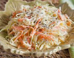 A Salada de Repolho Deliciosa é fácil de fazer, refrescante e muito saborosa. Experimente! Veja Também:Salada de Batatinha (Batatinha Aperitivo) Veja Tamb
