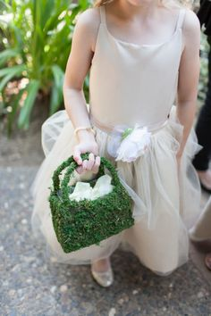 A moss petal bag: http://www.stylemepretty.com/little-black-book-blog/2015/01/19/elegant-summer-napa-valley-wedding/ | Photography: Megan Clouse - http://www.meganclouse.com/