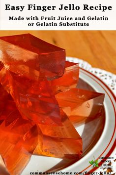 Easy finger jello recipe based on Knox blocks. Make it with your choice of fruit juice and gelatin or gelatin substitute. (Yes, you can make finger jello without gelatin, or something close to it. Fruit Juice Recipes, Gelatin Recipes, Jello Recipes, Whole Food Recipes, Fruit Drinks, Layered Finger Jello Recipe, Homemade Jello, Jello With Fruit, Healthy Snacks For Kids