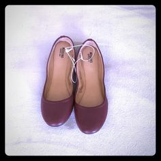 Maroon, Mossimo flats. Maroon flats. New. Slight stains from being in storage, which can be seen in picture 3.❤️ Mossimo Supply Co Shoes Flats & Loafers