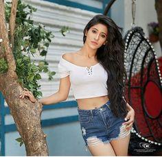 New fashion girl teens shorts Ideas Stylish Girls Photos, Girl Photos, Cute Girl Pic, Cute Girls, Girl Fashion, Fashion Looks, Fashion Outfits, Shivangi Joshi Instagram, Teen Shorts