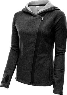 A perfect transitional piece, the @underarmour women's Urban Uptown hoodie has you covered as you rush to and from your next yoga session, bootcamp workout or barre class. #GiftOfSport