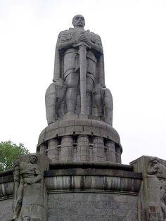 Bismarck-Denkmal, Bismarck Monument, sculptor Hugo Lederer, architect Johann Emil Schaudt, Hamburg