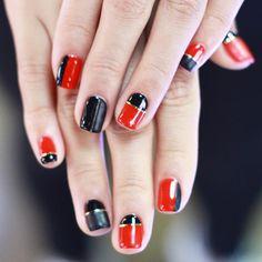 [#유니스텔라트렌드] #레드 #블랙 #매트 합은 퍼펙트  #mattnails #linenails #rednails #유니스텔라 #네일디자이너 #unistella #gelnails #nailart #nails #nail #nailedit #nailswag ✔️유니스텔라 내의 모든 이미지를 사용하실때 사전 동의, 출처 꼭 밝혀주세요❤️