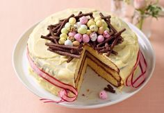 White Chocolate Easter Cake #Easter #SweetTooth #win