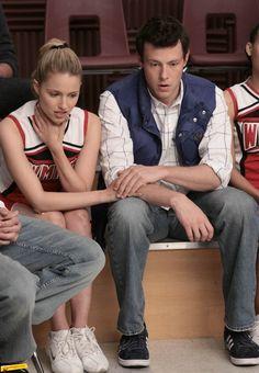 Cory Monteith and Dianna Agron in Glee Disney Movie Quiz, Finn Hudson Glee, Glee Season 1, Noah Puckerman, Glee Cory Monteith, Show Me Pictures, Glee Fashion, Quinn Fabray, Glee Club