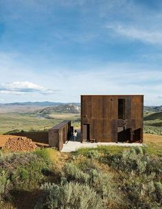 A prefab cabin set in the foothills of Oroville, Washington, Sky House offers a modern take on the rusted mining shacks found in this remote part of the northwest. Residential Architecture, Interior Architecture, Exterior Design, Interior And Exterior, Prefab Cabins, Construction, House Design, House Styles, Building