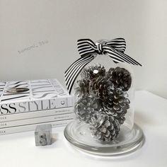 100円ショップのガラスドームを使ったインテリアをご紹介します。おしゃれに可愛いお部屋に、プチ模様替えしましょう♡