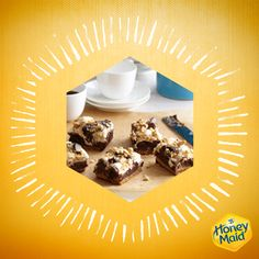 Graham wafers, chocolate and marshmallows: these fresh baked brownies are layered with all the fixings of toasted s'mores. Who needs a camp fire? Kraft Foods, Kraft Recipes, No Bake Desserts, Just Desserts, Dessert Recipes, Bar Recipes, Dessert Ideas, Breakfast Recipes, Recipies