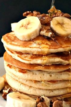Jamie Oliver's Fluffy American Pancakes - My Gorgeous Recipes - Jamie Oliver's Fluffy American Pancakes topped with walnuts and bananas, and a good squeeze of ho - Pancake Toppings, Brunch Recipes, Gourmet Recipes, Breakfast Recipes, Keto Recipes, Protein Recipes, Homemade Pancakes, Pancakes Easy, Breakfast