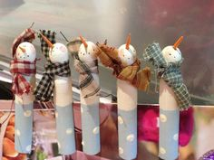 Clothespin Snowmen -look up! Christmas Craft Fair, Christmas Snowman, Christmas Projects, Winter Christmas, Christmas Clothespin Crafts, Snowman Crafts, Craft Stick Crafts, Holiday Crafts, Crafts For Kids