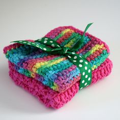 How to Single Crochet + make washcloths Great Gifts for Beginners!