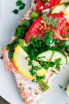 Mediterranean-Style Oven Baked Salmon in Foil