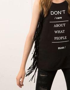 Shirt Bershka, suède, text en franjes - T- Shirts - Bershka Netherlands