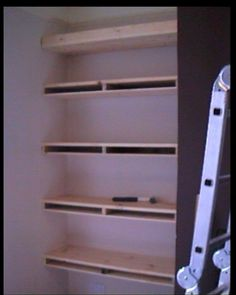 How to create alcove shelving with hidden brackets/support Timber Shelves, Plywood Shelves, Built In Shelves, Floating Shelves, Build Shelves, Deep Shelves, Wooden Shelves, Alcove Desk, Alcove Shelving