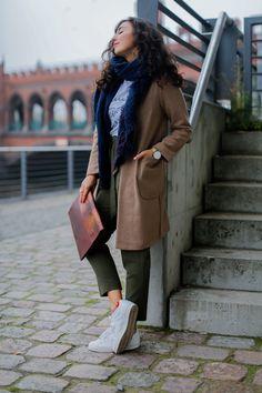 Khaki Pants and Camel Coat edited paperback fall outfit marks&spencers coat uni look university sneakers girl mädchen adidas superstars german fashionblog streetstyle blog berlin samieze deutschland-6
