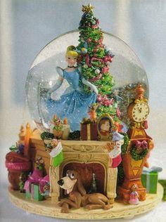 Disney Cinderella Christmas Snowglobe