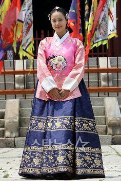 #Korean traditional #Moon Chaewon