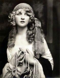 Actress Broadway 20-ies. Myrna Darby