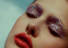 Pink glitter eye + red lip