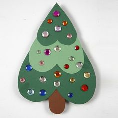 A Christmas Tree made from Hearts of Card - Creative activities Easy Christmas Crafts For Toddlers, Preschool Christmas, Christmas Activities, Craft Stick Crafts, Preschool Crafts, Kids Christmas, Handmade Christmas, Holiday Crafts, Christmas Hearts