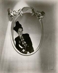Elsa Schiaparelli, (1890–1973)  by Horst P. Horst 1934.   #photography