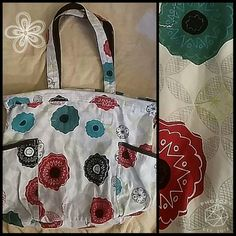 Thirty One teal, red & Black Tote XL Tote 31 huge XL tote.  There is a zippered in pockets & 2pockets to slip your phone, sunglasses, keys, etc in. Also has a clip at the top to hold on to your keys. Thirty One Bags Totes