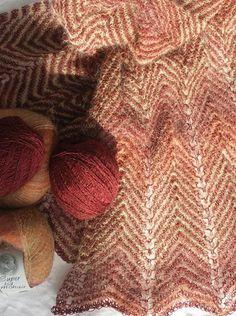 623 Zigzag sjal - Karen Noe Design Knitting Stitches, Knitting Patterns, Shawls And Wraps, Zig Zag, Stitch Patterns, Knit Crochet, Baby Room, Design, Brioche