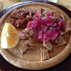 Le pok-chuk est une spécialité du Yucatán, au Mexique. Il s'agit de fines…
