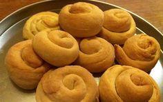 Slightly salted cookies with yogurt - iCookGreek Greek Sweets, Greek Desserts, Greek Recipes, Desert Recipes, Sweets Recipes, Brownie Recipes, Cookie Recipes, Cookie Dough Pie, Greek Cake