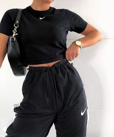iconic fashion on - Outfit ideen , Cute Comfy Outfits, Chill Outfits, Cute Casual Outfits, Nike Outfits, Stylish Outfits, Summer Outfits, Winter Outfits, Sneaker Outfits, Sneakers Fashion Outfits