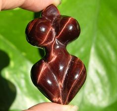 Gorgeous Red Tiger Eye Quartz Crystal Pendant Mother of the Earth Goddess