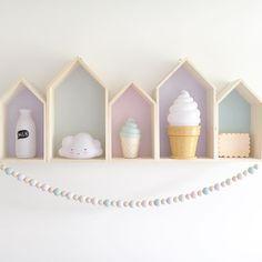 Cute little house shelf with night lights #barnerom #jenterom #nattlamper #alittlelovelycompany