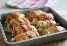 Chicken rolls with bacon # favorite recipes cooking food snacks Easy Bacon Recipes, Avocado Recipes, Lunch Recipes, Seafood Recipes, Chicken Recipes, Cooking Recipes, Recipe Chicken, Cooking Food, Delicious Recipes