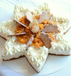 lakkatuorejuustokakku White Christmas, Camembert Cheese, Mashed Potatoes, Berries, Food And Drink, Dairy, Ethnic Recipes, Arctic, Whipped Potatoes