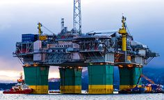 Olje- platform being brought out to the North Sea